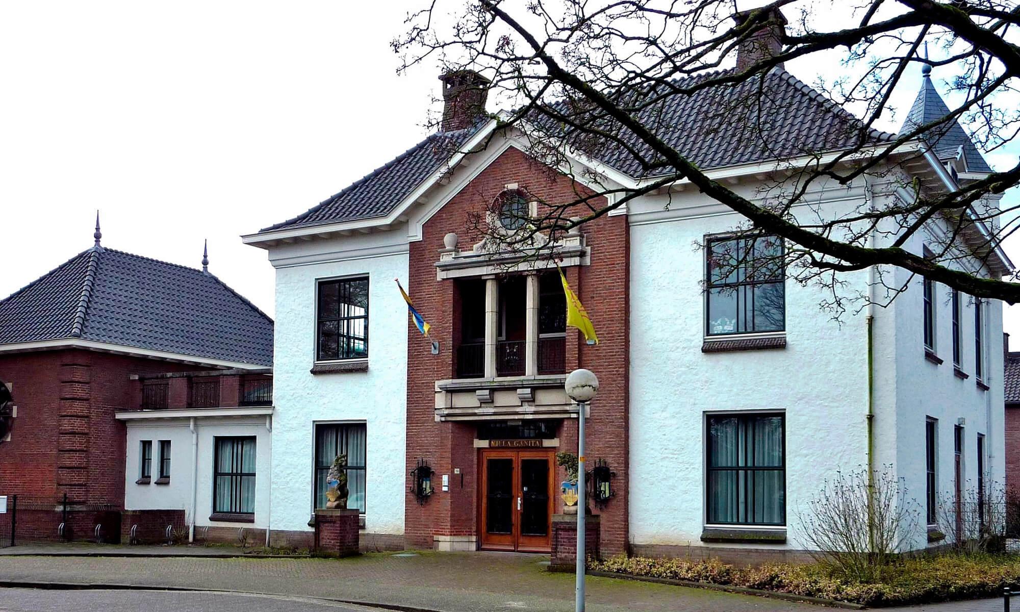 Villa Ganita Gendt oude gemeente huis